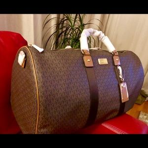 Handbags - Michael Kors Brown ( not available anymore)